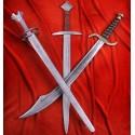 Meče v barvě kovu