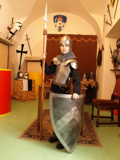 dětské štíty a meče